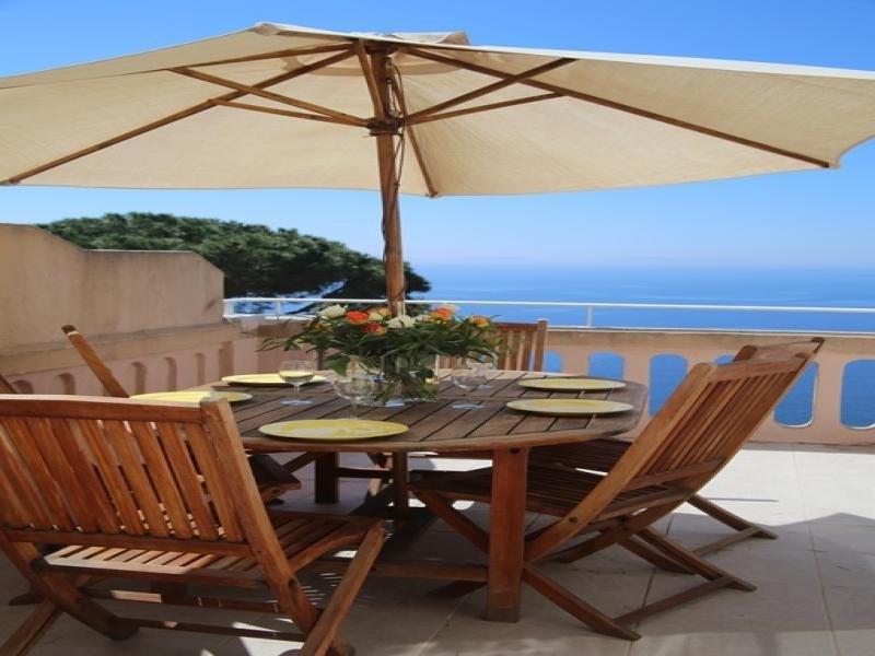 Appartement T3 de 55 m² avec 2 terrasses dont une avec vue mer panoramique sur les calanques