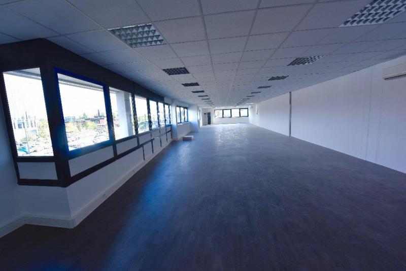 location bureau lab ge 31670 bureau lab ge de 372 m. Black Bedroom Furniture Sets. Home Design Ideas
