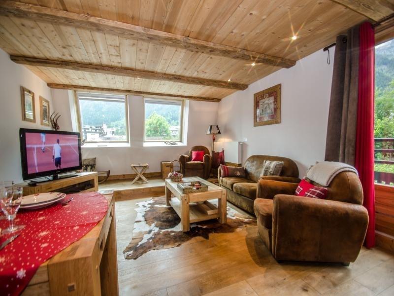 Superbe 3 pièces avec cheminée au centre de Chamonix