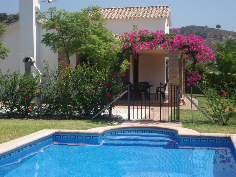 Location vacances Estepona -  Maison - 6 personnes - Barbecue - Photo N° 1