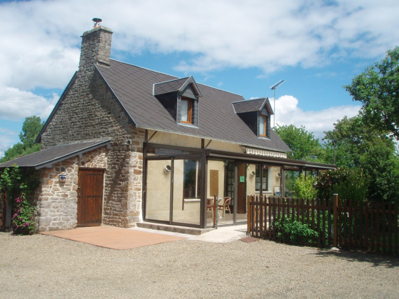 Holiday rentals Isigny-le-Buat - House - 5 persons - BBQ - Photo N° 1