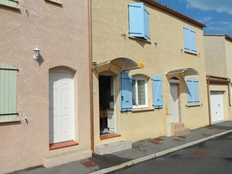 villa  facade  volets bleu  a  gauche
