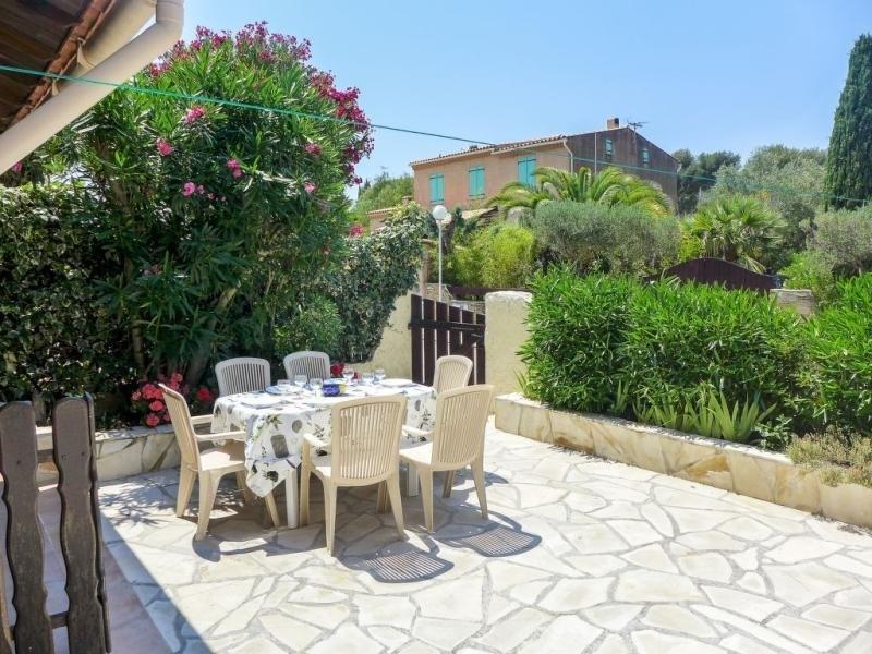 Location vacances Saint-Cyr-sur-Mer -  Appartement - 6 personnes - Barbecue - Photo N° 1