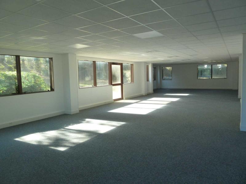 location bureau aix en provence bouches du rh ne 13 240 m r f rence n 511096. Black Bedroom Furniture Sets. Home Design Ideas