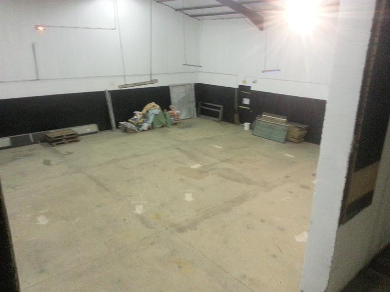 location local d 39 activit s entrep t brie comte robert. Black Bedroom Furniture Sets. Home Design Ideas