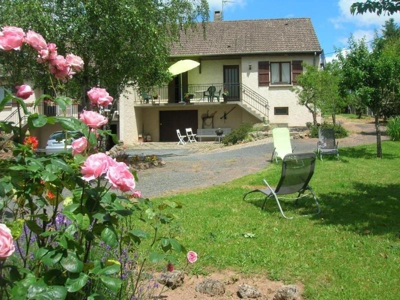 Location vacances Le Donjon -  Maison - 6 personnes - Barbecue - Photo N° 1