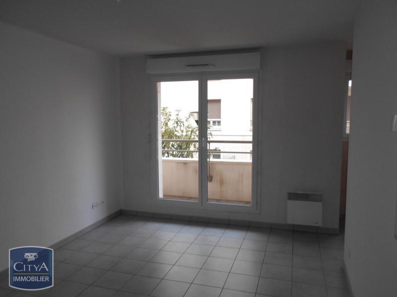 vente appartement 2 pi ces rouen appartement f2 t2 2 pi ces 43 45m 76500. Black Bedroom Furniture Sets. Home Design Ideas