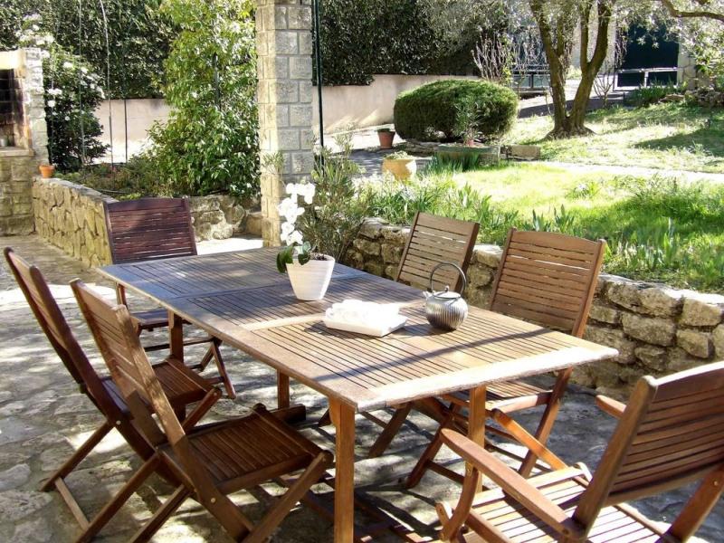 VILLA DES OLIVIERS :  MAISON FAMILIALE   avec SPA et JARDIN arboré, cloturé