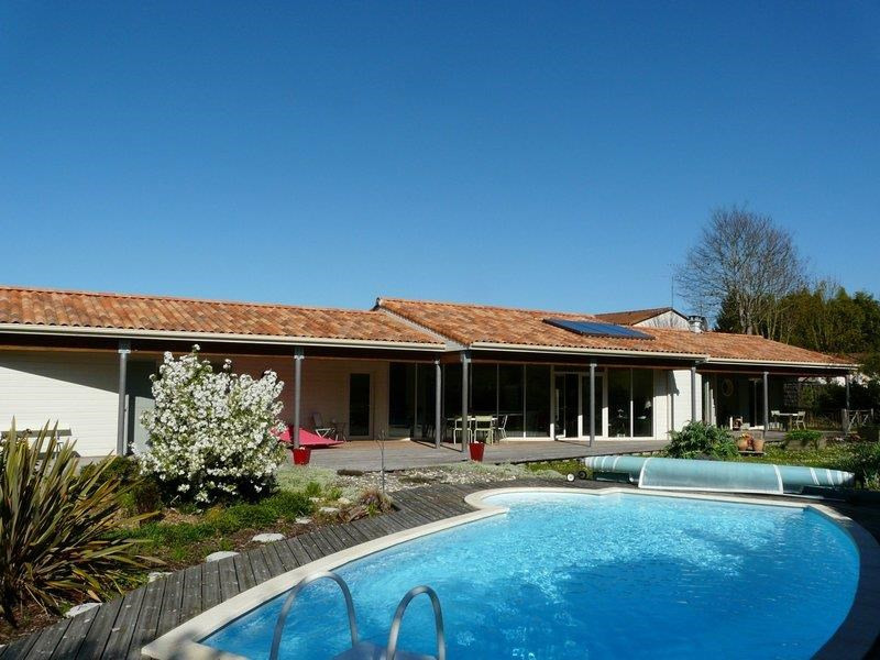 Location vacances Barbezieux-Saint-Hilaire -  Maison - 9 personnes - Barbecue - Photo N° 1