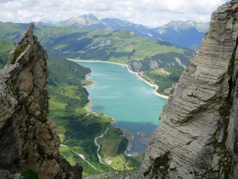 lac de roselend depuis le rocher du vent