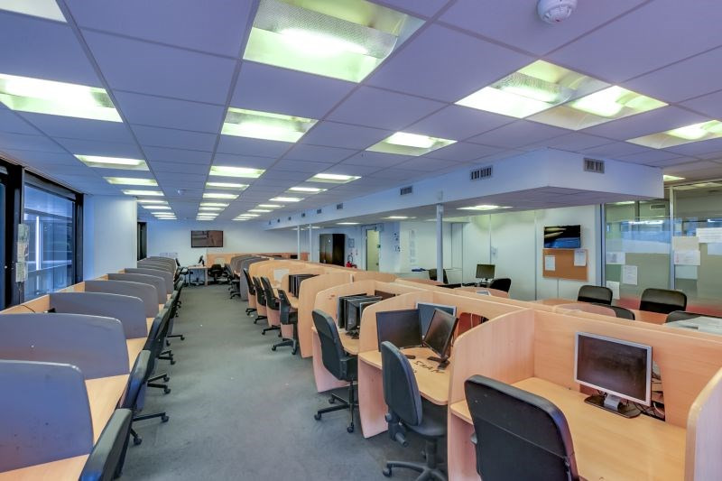 location bureau saint cloud 92210 bureau saint cloud de 728 m ref p8685. Black Bedroom Furniture Sets. Home Design Ideas