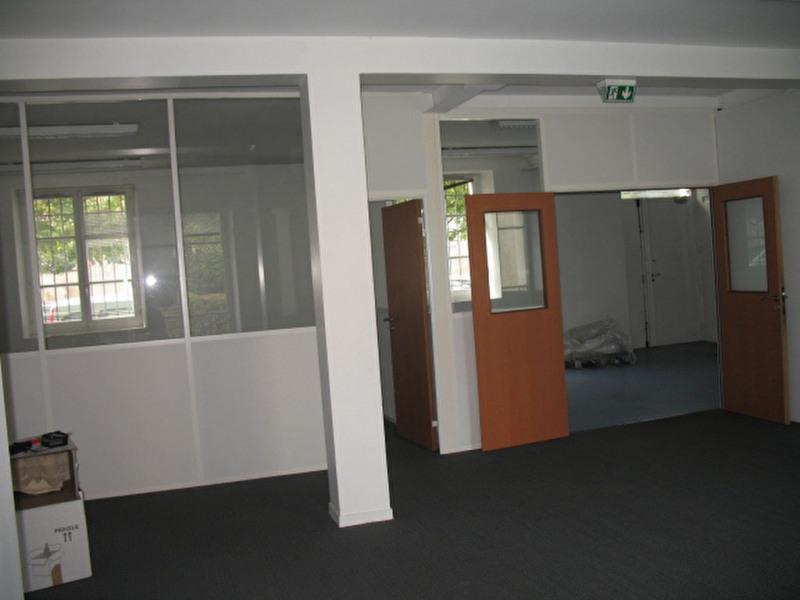 Location bureau saint germain en laye les parterres for Bureau 02 villeneuve saint germain