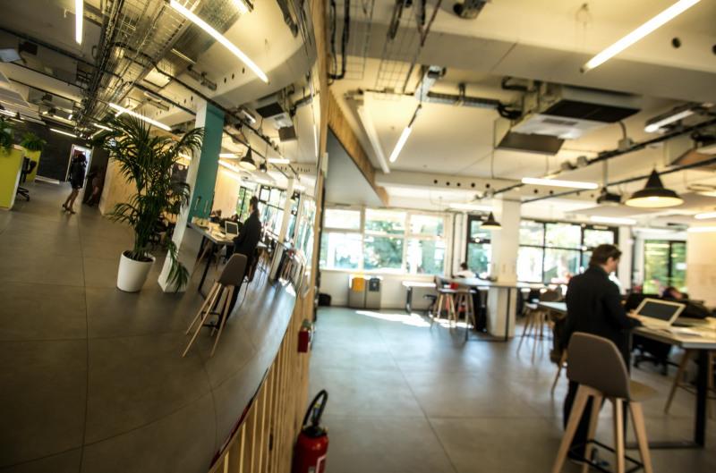 location bureau issy les moulineaux forum seine 92130. Black Bedroom Furniture Sets. Home Design Ideas