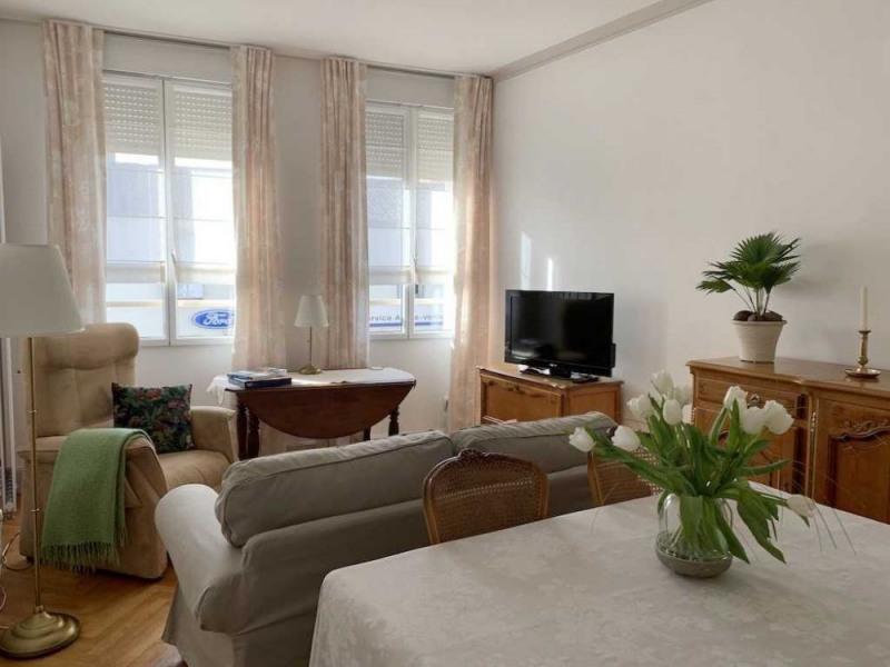 Location vacances Rochefort -  Appartement - 2 personnes - Salon de jardin - Photo N° 1