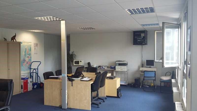 location bureau noisy le grand seine saint denis 93 107 m r f rence n 673469w. Black Bedroom Furniture Sets. Home Design Ideas