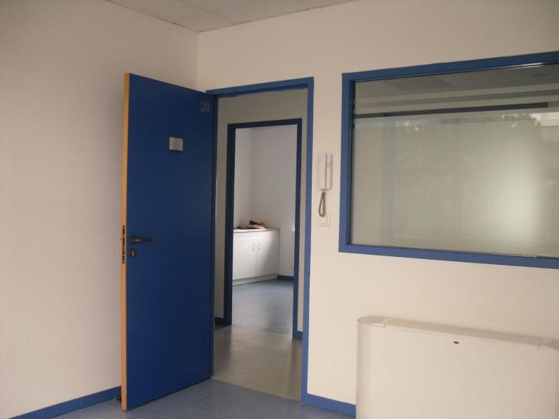 location bureau lab ge 31670 bureau lab ge de 449 m. Black Bedroom Furniture Sets. Home Design Ideas