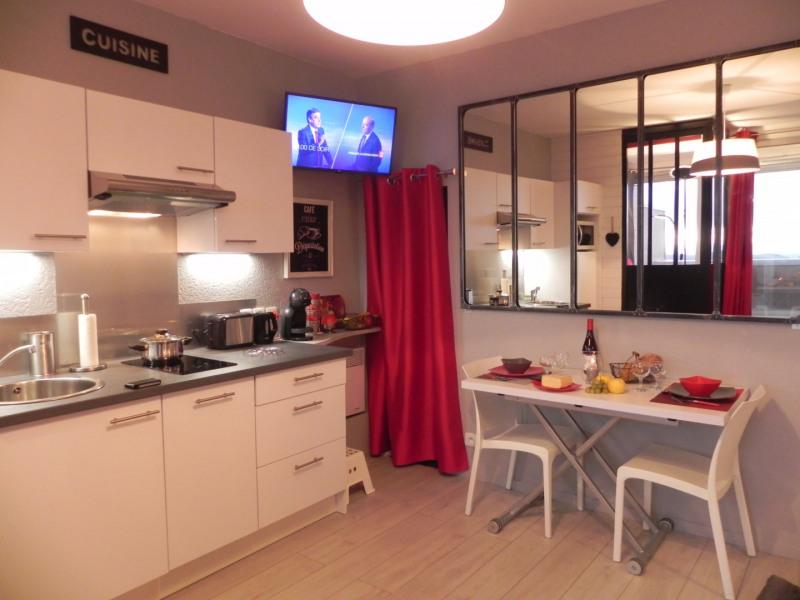 salle à vivre avec cuisine