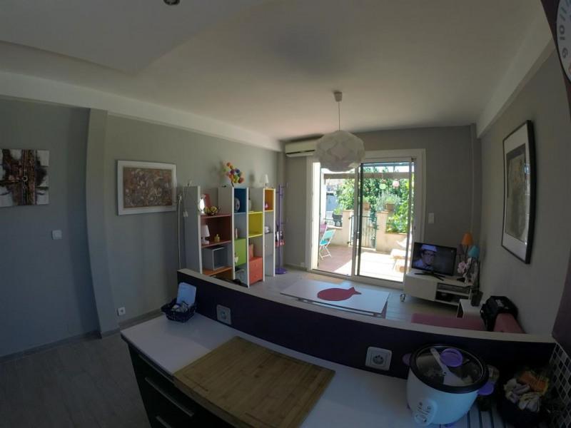 Location vacances Six-Fours-les-Plages -  Appartement - 4 personnes - Salon de jardin - Photo N° 1