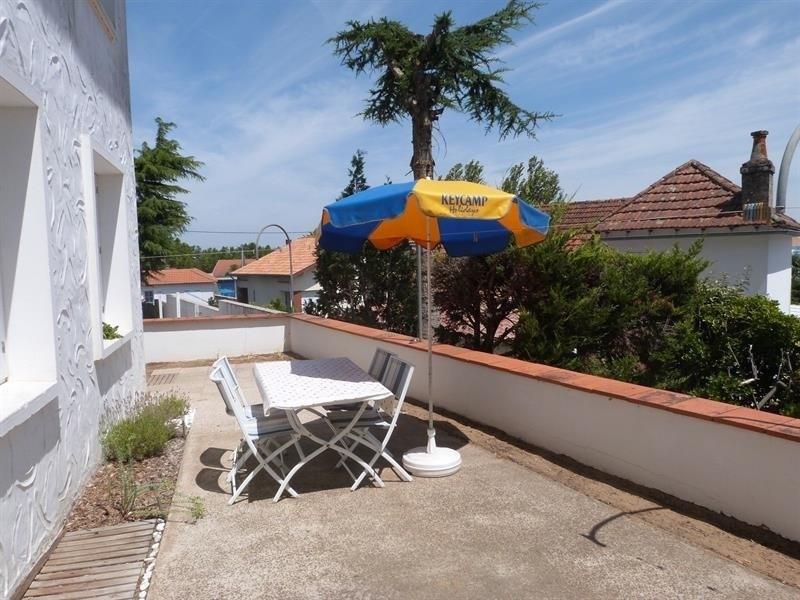 Appartement en rez de chaussé avec terrasse partagée, 500m centre la Tranche Sur Mer pour 3/4 per...