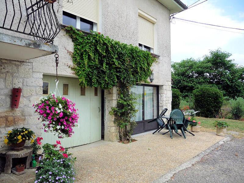 Location vacances Bourg-de-Visa -  Chambre d'hôtes - 2 personnes - Télévision - Photo N° 1