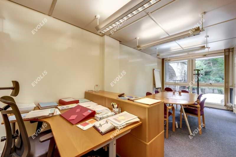 location bureau paris 20 me gambetta 75020 bureau paris 20 me gambetta de 152 m ref 676764w. Black Bedroom Furniture Sets. Home Design Ideas