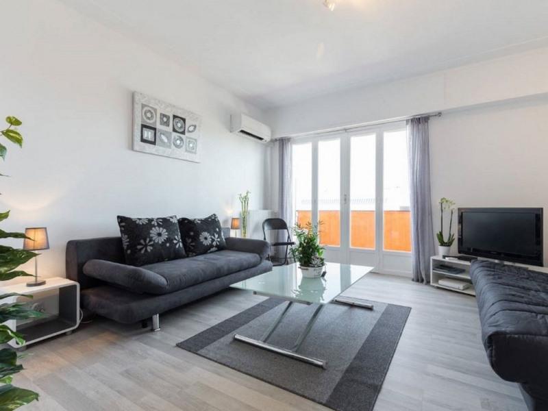 Location vacances Cagnes-sur-Mer -  Appartement - 4 personnes - Câble / satellite - Photo N° 1