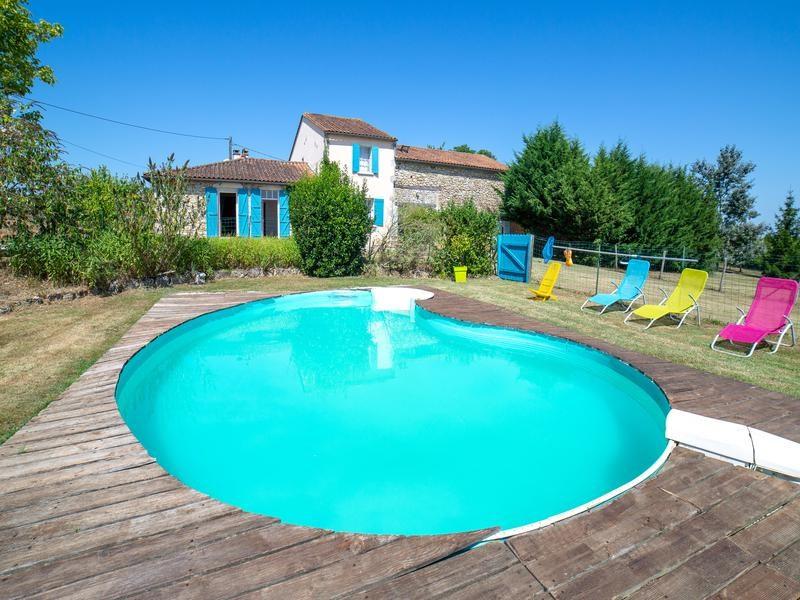 Une piscine sécurisée  et privée