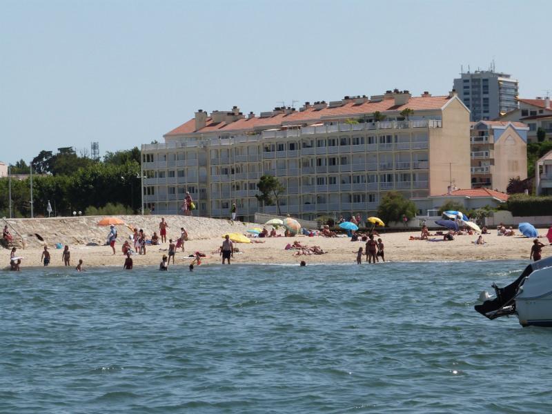 La résidence vue de la mer