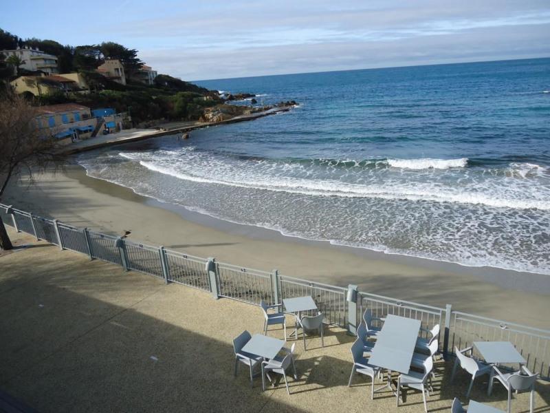 Location vacances Sanary-sur-Mer -  Appartement - 4 personnes - Court de tennis - Photo N° 1