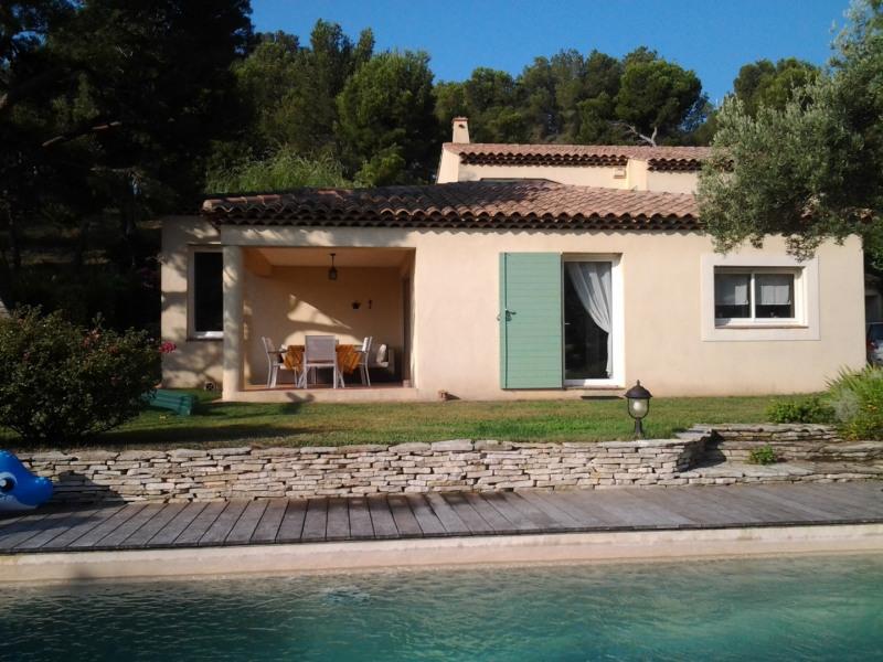 Belle villa méditerranéenne 8 couchages, Au calme sous les pins avec piscine proche plage