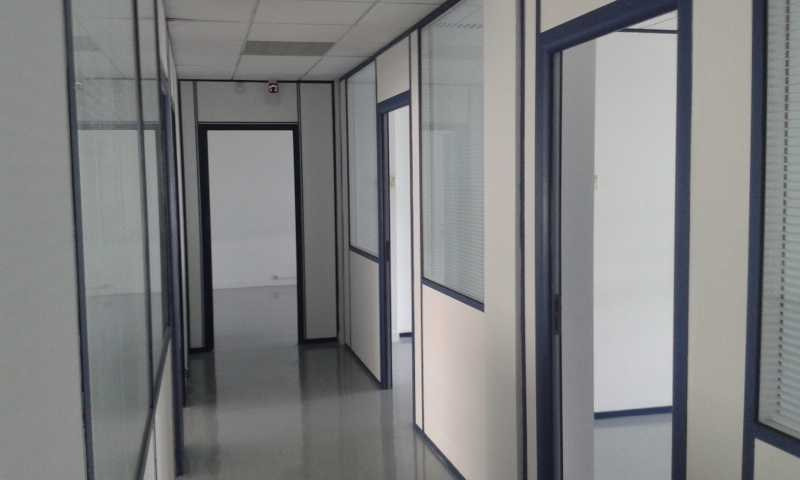 location bureau montigny le bretonneux yvelines 78 1795 4 m r f rence n 637232w. Black Bedroom Furniture Sets. Home Design Ideas