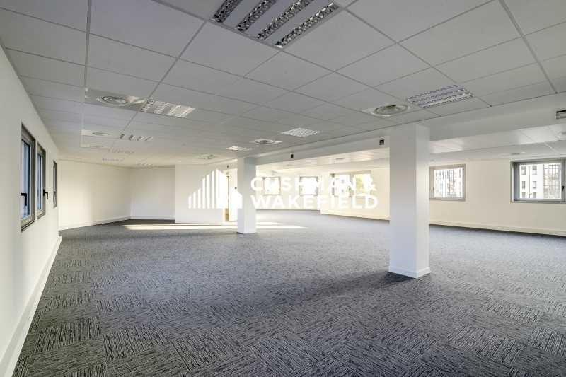 location bureau suresnes 92150 bureau suresnes de 860 57 m ref 132764. Black Bedroom Furniture Sets. Home Design Ideas