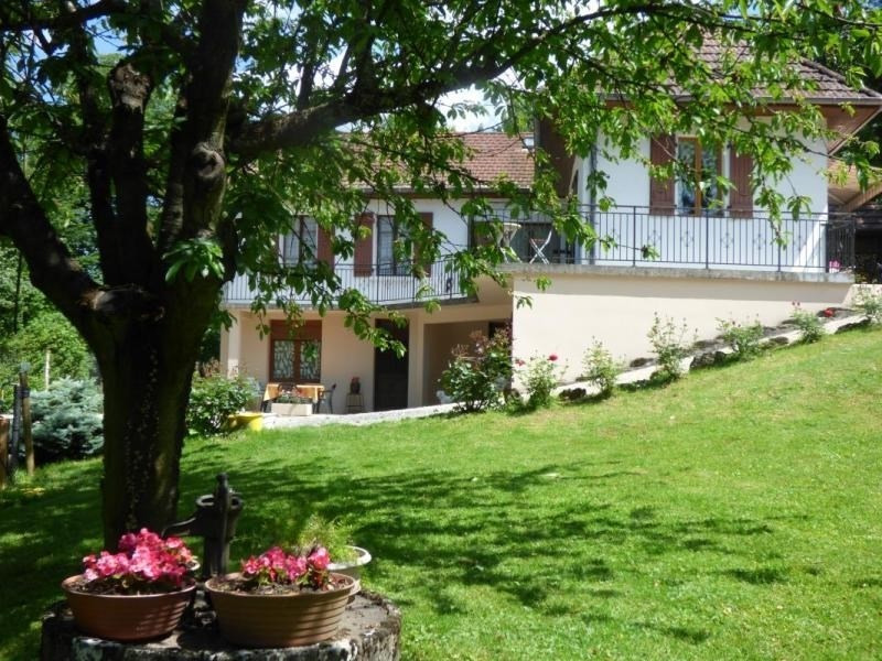 Location vacances Belley -  Maison - 5 personnes - Barbecue - Photo N° 1