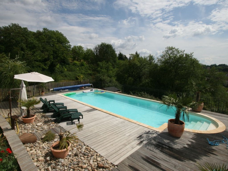 SARLAT Maison 3 CHAMBRES CLIMATISATION,piscine privee chauffee, superbe vue sud