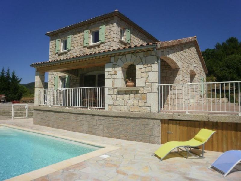 Très belle maison indépendante en pierre de pays aménagée en plein cœur de la Cévennes Ardéchoise...