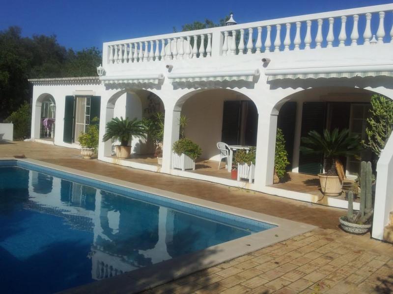 villa avec piscine totalement  privée