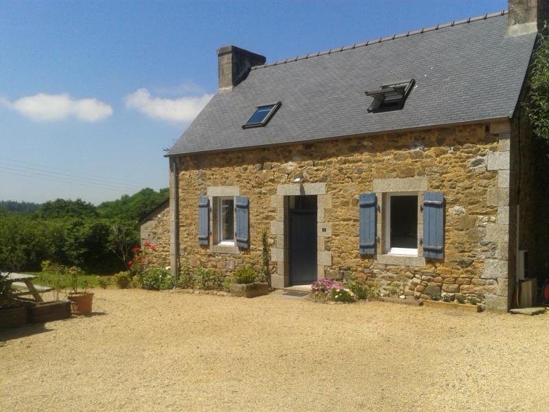 The Blue House, Plestin-Les-Grèves - Trémel