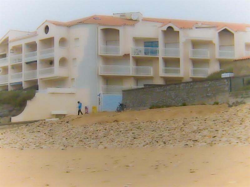 l'immeuble vu de la plage
