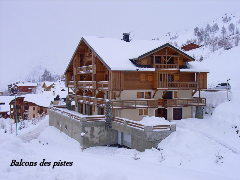 Location vacances Les Deux Alpes -  Appartement - 4 personnes - Salon de jardin - Photo N° 1