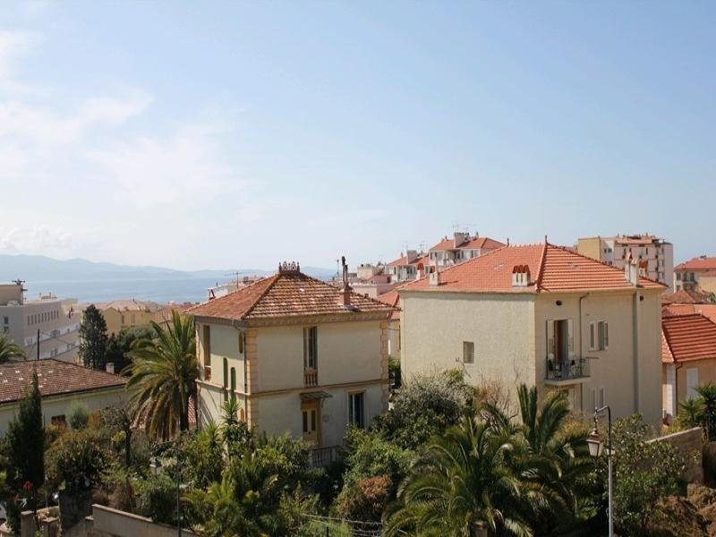 AJACCIO - Appartement terrasse vue mer F3-262