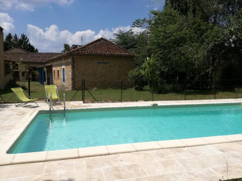 La piscine refaite à neuf, sécurisée pour les enfants
