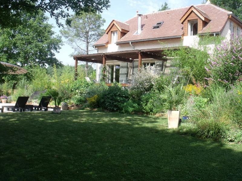 Campagne Prestige Cottage près du village animé sur le Lot Dordogne frontière