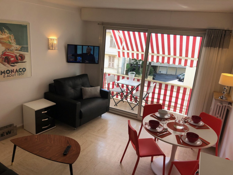 Location vacances Antibes -  Appartement - 5 personnes - Salon de jardin - Photo N° 1