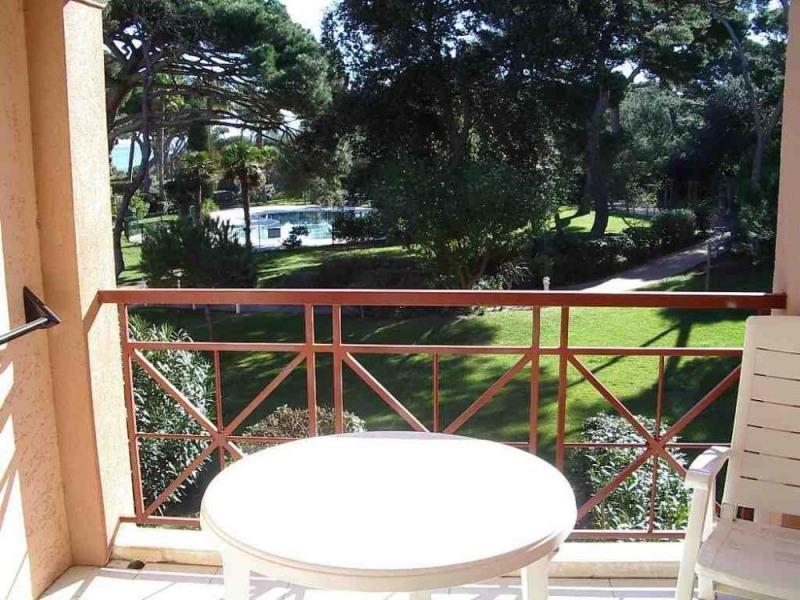 À 100 m de la plage de la Badine, dans centre Pierres et Vacances (Résidence avec piscine chauffée, portail électriqu...