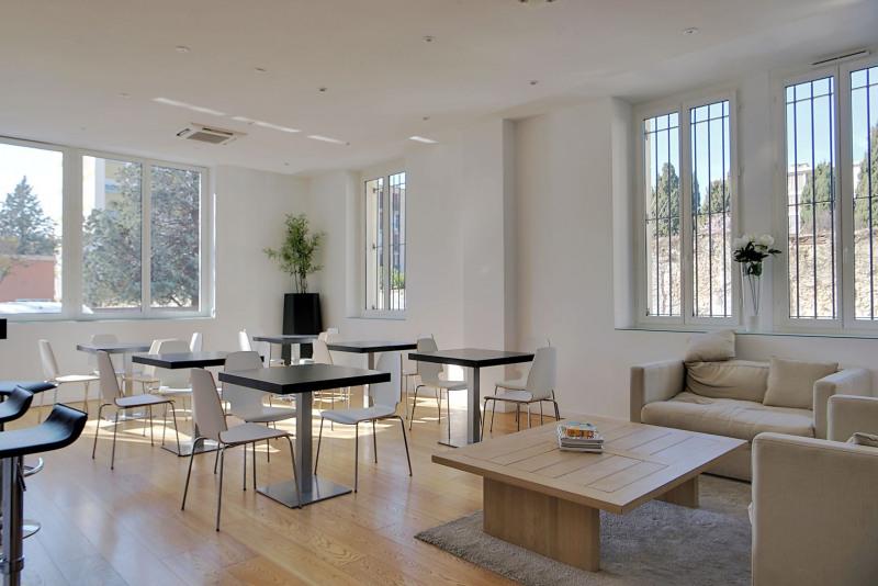 Location bureau salon de provence bouches du rhône 13 768 m²