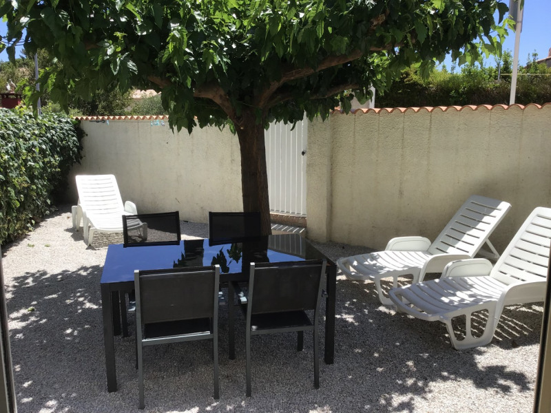 Location vacances Saint-Cyr-sur-Mer -  Appartement - 4 personnes - Jardin - Photo N° 1