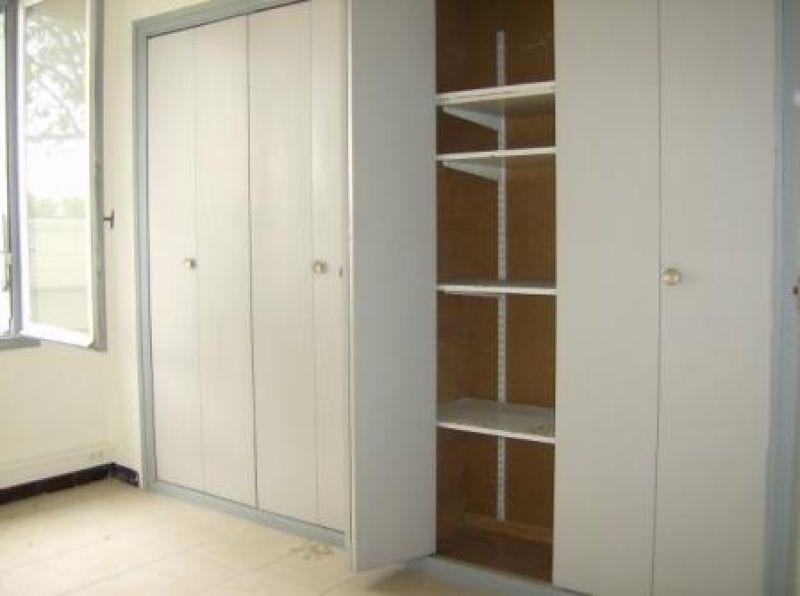location bureau n mes gard 30 128 m r f rence n 3001376. Black Bedroom Furniture Sets. Home Design Ideas