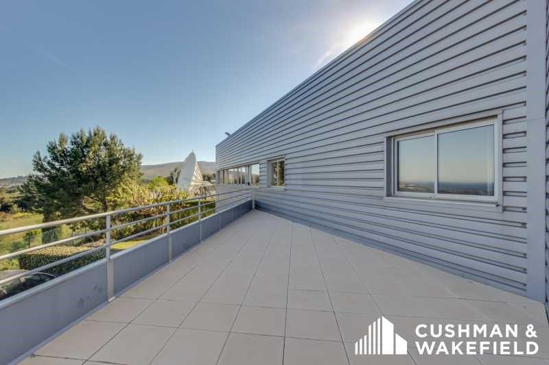 location bureau la ciotat ouest 13600 bureau la ciotat ouest de 92 m ref 41752. Black Bedroom Furniture Sets. Home Design Ideas