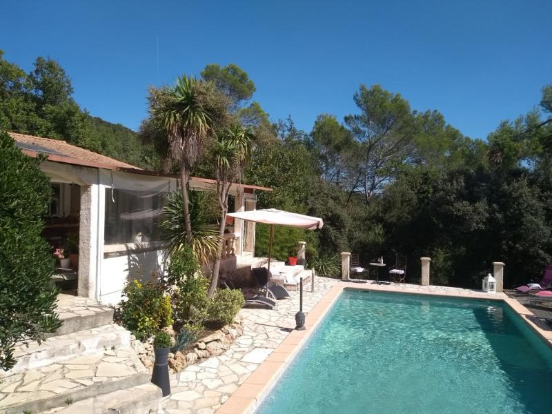 vue piscine coté terrasse