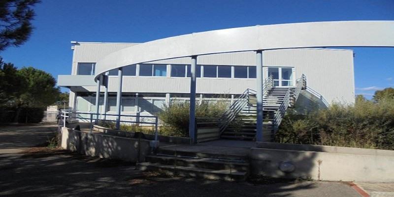 Location Local d'activités / Entrepôt Garons